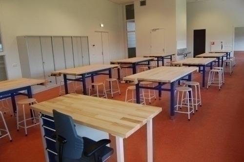 Technieklokaal, docentenbureau, werkbanken, De Beuk