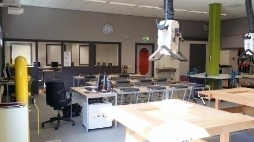 Houten werkbank technieklokaal De Beuk