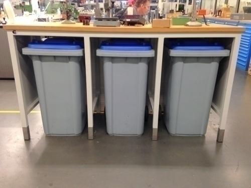 Opbergkast voor containers met werkblad, op maat De Beuk